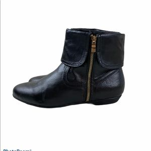 Chinese Laundry booties 8 black leather